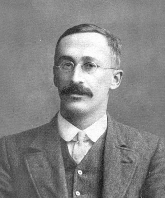 William Sealy Gosset (1876-1937) in 1908, the year he published his paper The Probable Error of a Mean [image from Wikimedia Commons].