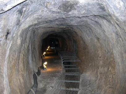 Samos-Tunnel-Interior